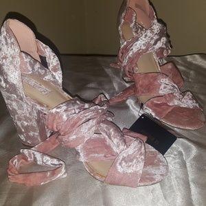 Shoes - Forever21 blush crush velvet heels